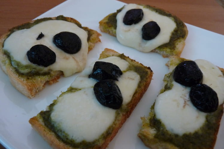 Toasts mozzarella et pesto