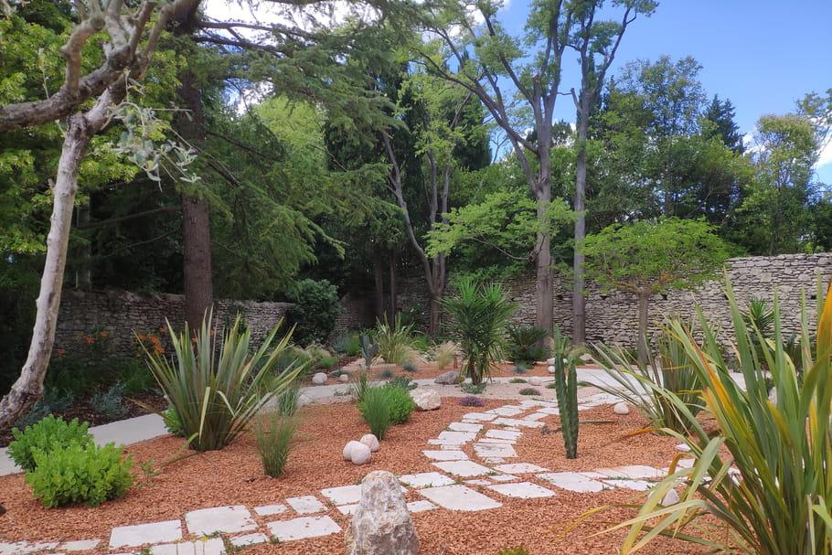 Comment passer à la tendance du jardin sec?