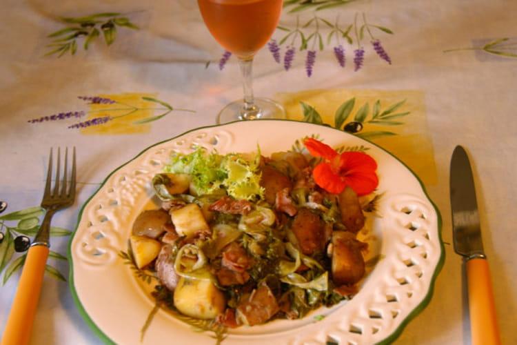 recette de salade de pomme de terre chaudes fris e et bacon la recette facile. Black Bedroom Furniture Sets. Home Design Ideas