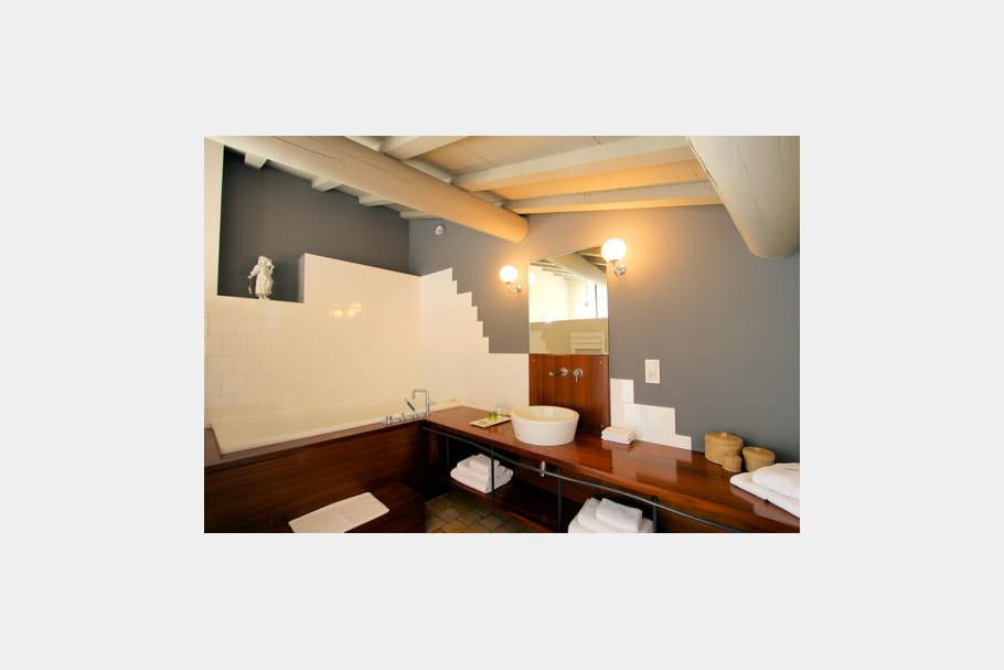 Salle de bains au grenier 25 salles de bains de for Salle de bain grenier