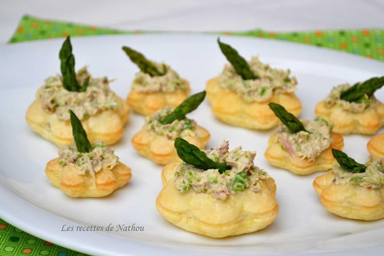 Feuilletés aux rillettes de thon, moutarde et asperges vertes