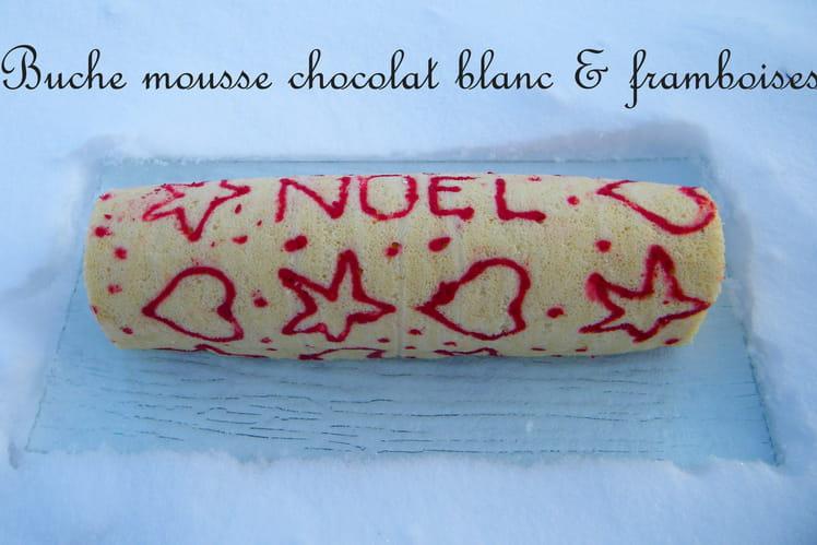Gâteau roulé chocolat blanc et framboises