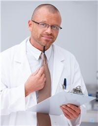 le psychiatre a suivi des études de médecine.