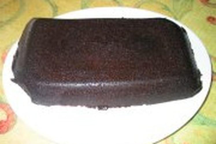 Gâteau au chocolat avec glaçage