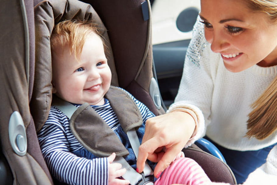 Deux enfants sur trois mal attachés en voiture