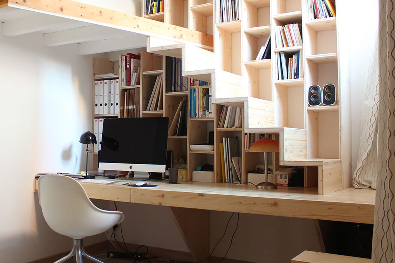 Aménager un bureau sous l\'escalier : 10 idées repérées sur Pinterest