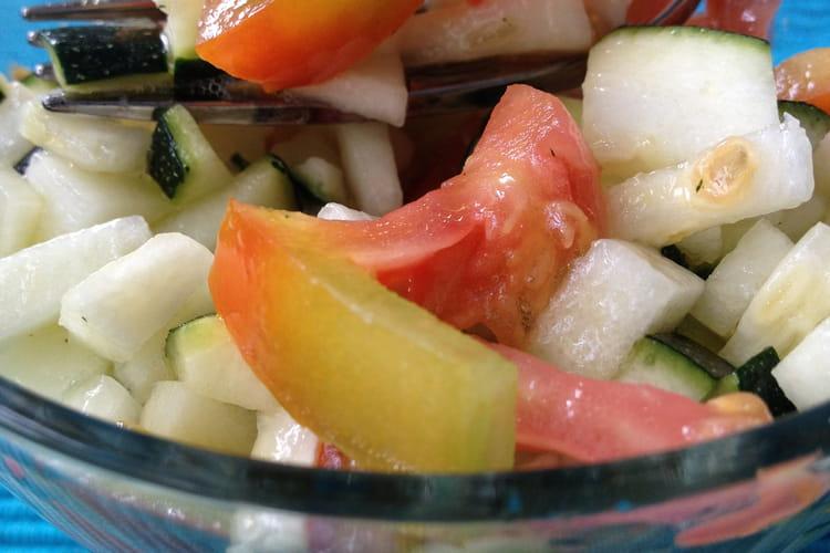 Salade de courgettes crues marinées