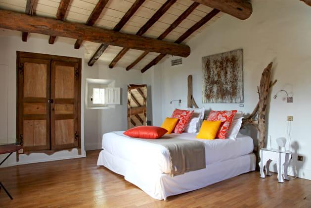 Tête de lit en bois brut