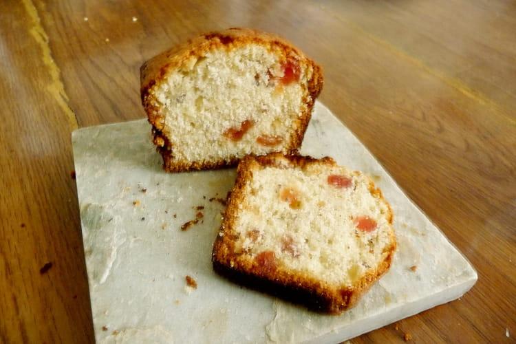 Gâteau moelleux aux fruits secs