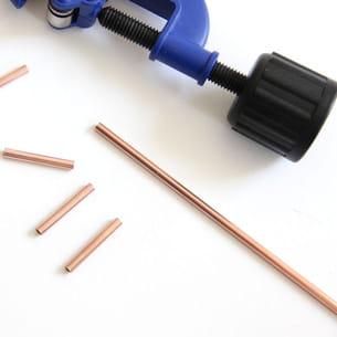 couper les tubes de cuivre