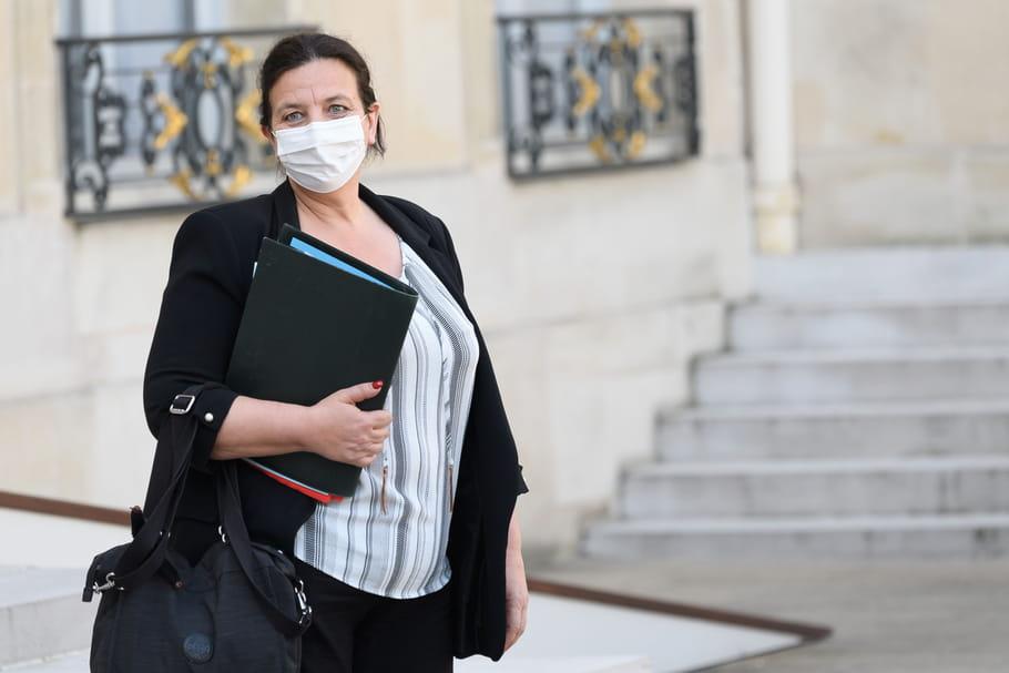 """Fête au ministère: Une """"petite bamboche"""" en pleine pandémie"""