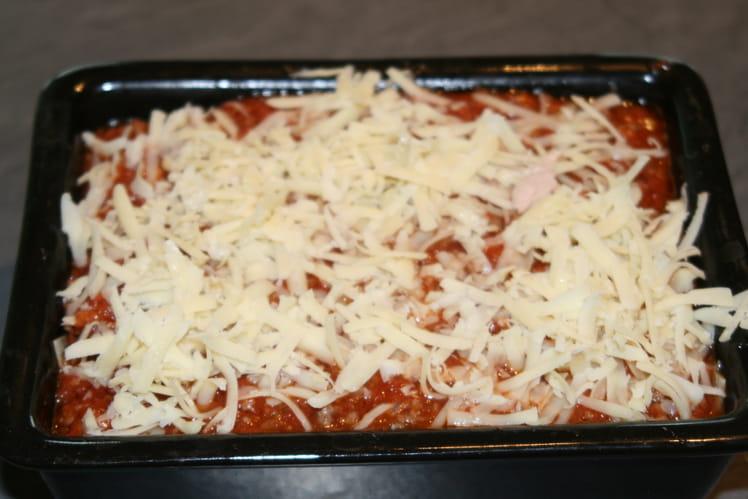 Lasagnes au bœuf, mortadelle et petits pois