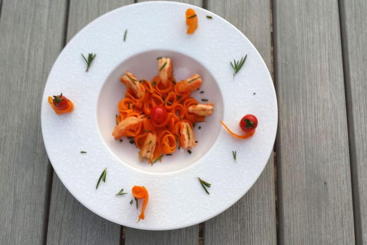 Crevettes marinées ail et romarin, carotte croquante