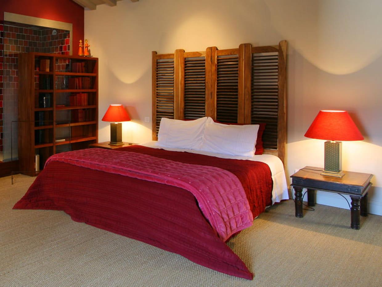 t te de lit de caract re. Black Bedroom Furniture Sets. Home Design Ideas