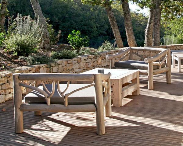 mobilier de jardin en bois massif. Black Bedroom Furniture Sets. Home Design Ideas