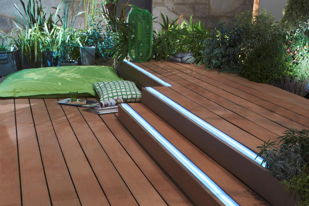 quel rev tement de sol choisir pour la terrasse. Black Bedroom Furniture Sets. Home Design Ideas