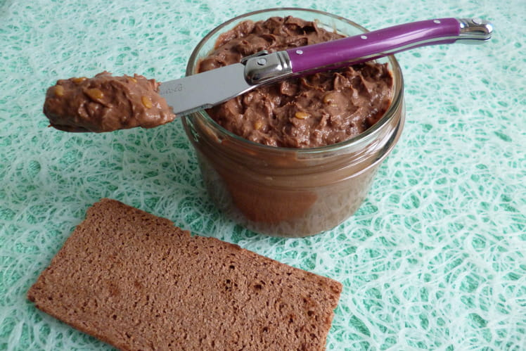 Pâte à tartiner allégée au chocolat avec quinoa et graines de lin