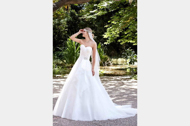 Robe de mariée Isa de Point Mariage