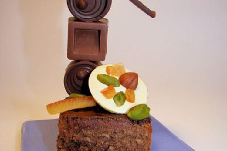 Petite pyramide de douceurs : mirliton cacao-agrumes, chocolats caramel salé, ganache gianduja et mendiants