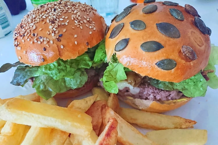 Pains à burgers aux graines de courges et de sésame