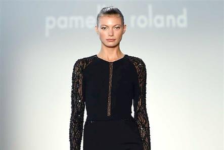 Pamella Roland - passage 23