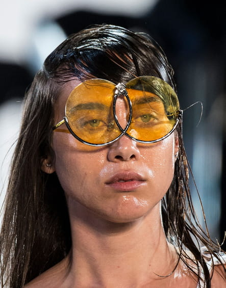 Les lunettes qui louchent du défilé Hood by Air