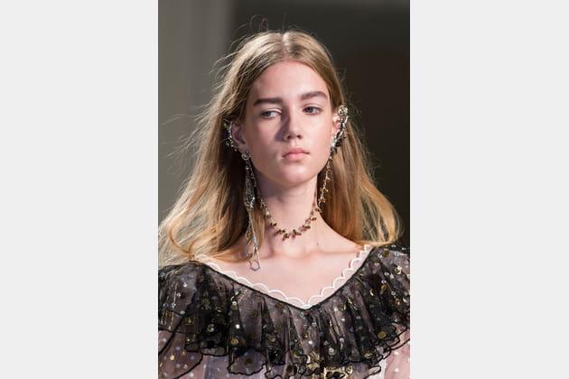 Le bijou boucles d'oreille / collier du défiléRodarte