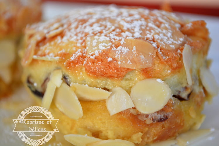 Gâteau de croissant perdu et blancs d'oeufs caramélisés