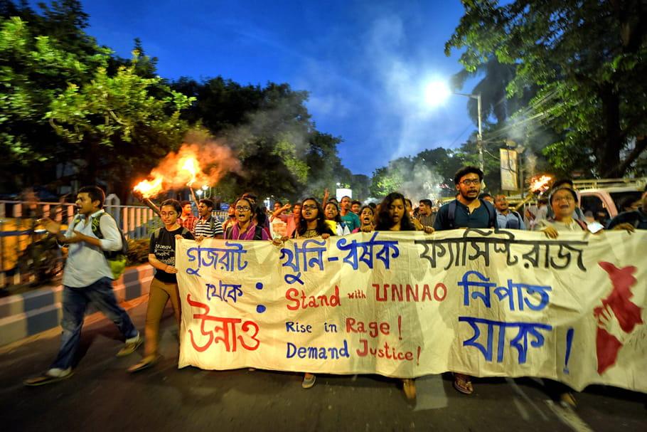 Inde: une femme grièvement blessée après avoir accusé un élu de viol