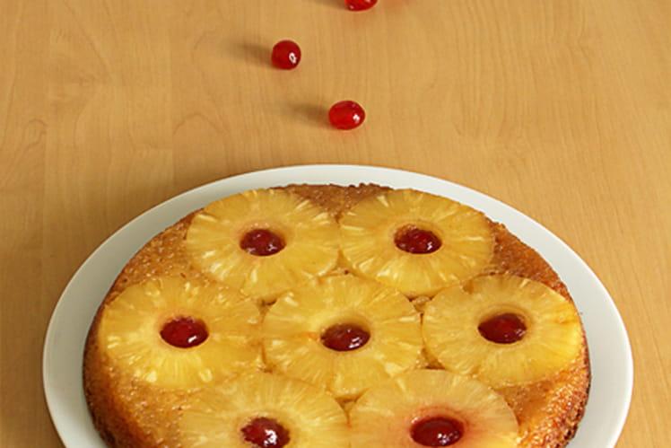Gâteau Renversé à Lananas Et Cerises Confites