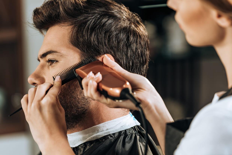 Comment Couper Les Cheveux D Un Homme A La Maison