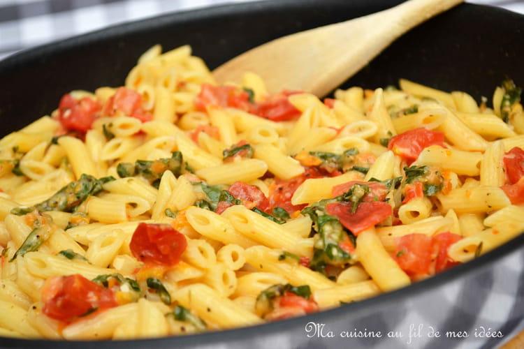 One pan pasta de minis pennes aux tomates, roquette et mozzarella
