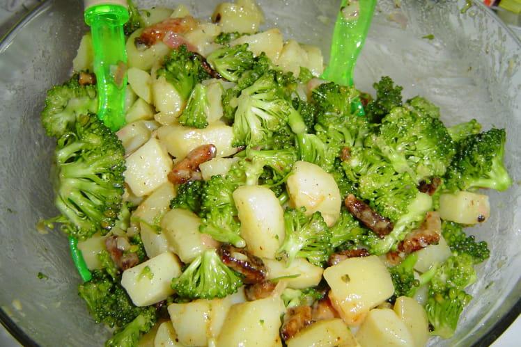 Salade de brocolis et pommes de terre