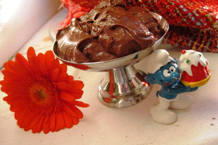 Terrine au chocolat noir et à la fraise