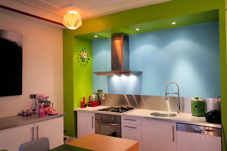 cuisine bleu ciel et vert anis. Black Bedroom Furniture Sets. Home Design Ideas