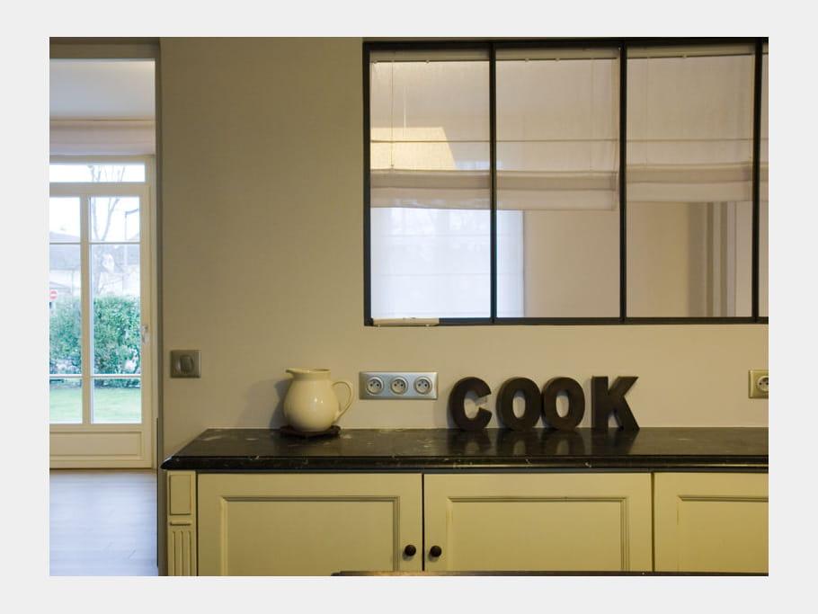 ouverture sur la salle manger la cuisine avec verri re mi ouverte mi ferm e journal des. Black Bedroom Furniture Sets. Home Design Ideas