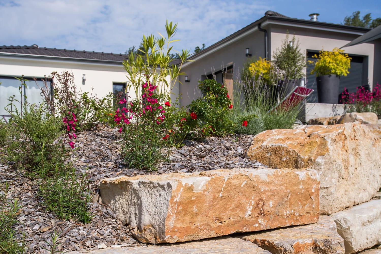 3conseils pour aménager son jardin avec des plantes vivaces et champêtres