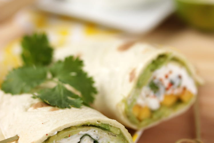 Wraps au guacamole d'avocat-chèvre-mangue