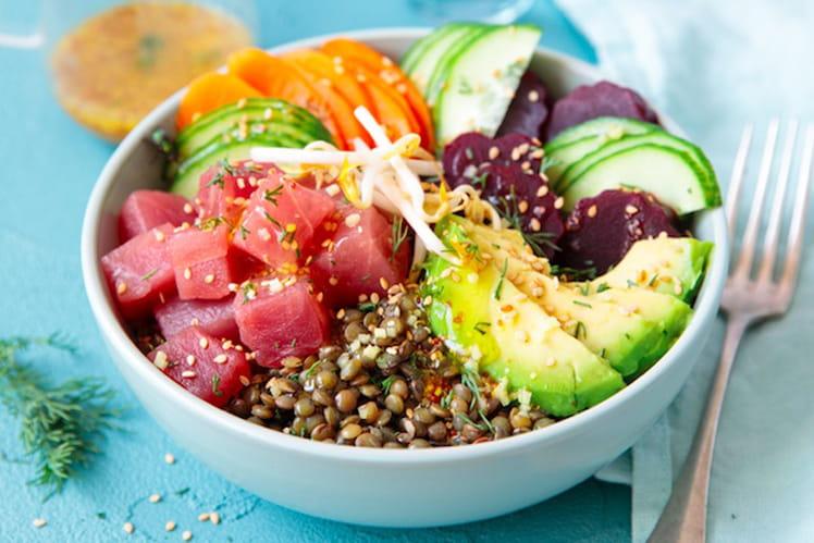 Poke bowl de lentilles vertes et thon mariné
