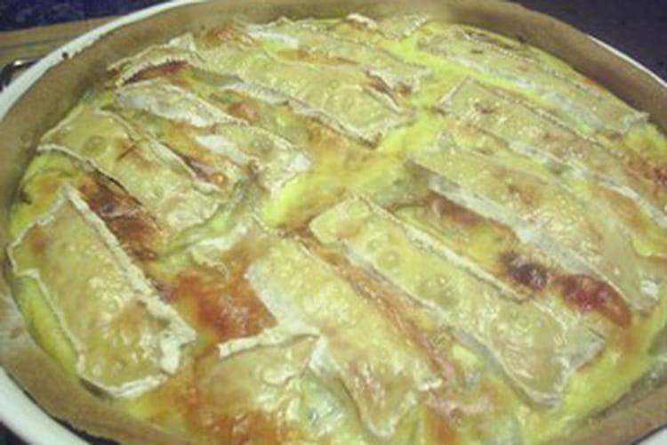 Tarte au camembert et endives caramelisées