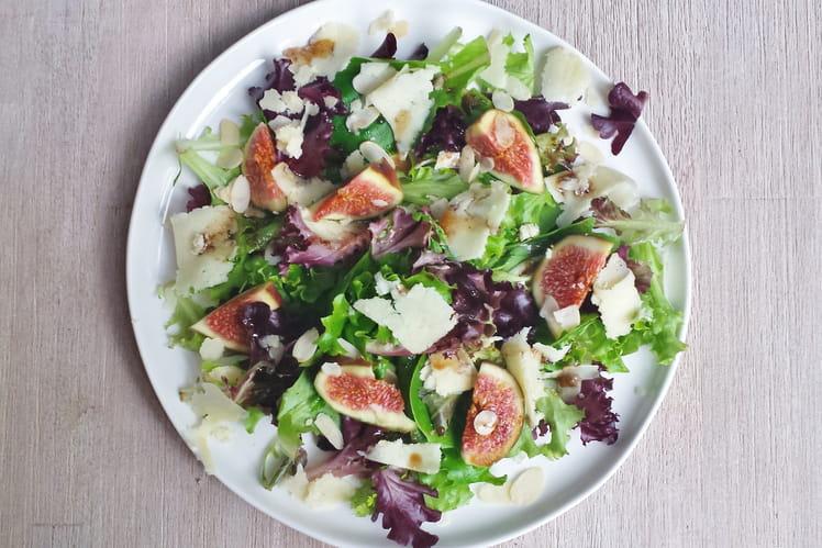 Salade aux figues et au cantal