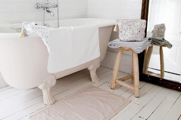 la baignoire lot sur pieds l ment star de la salle de bains r tro. Black Bedroom Furniture Sets. Home Design Ideas