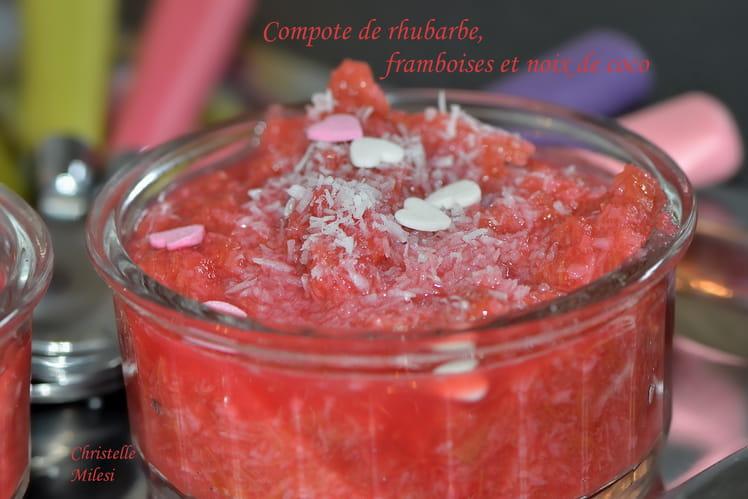 Compote de rhubarbe, framboises et noix de coco