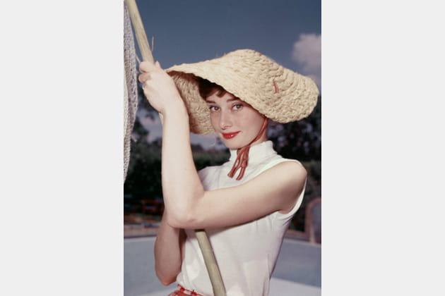 Audrey Hepburn en col roulé