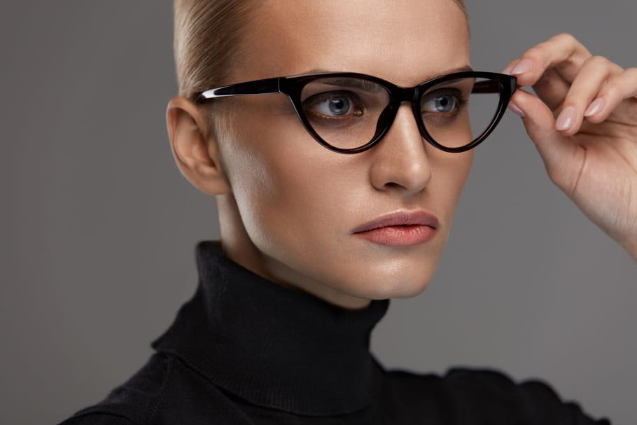 Quelle coiffure adopter quand on porte des lunettes?