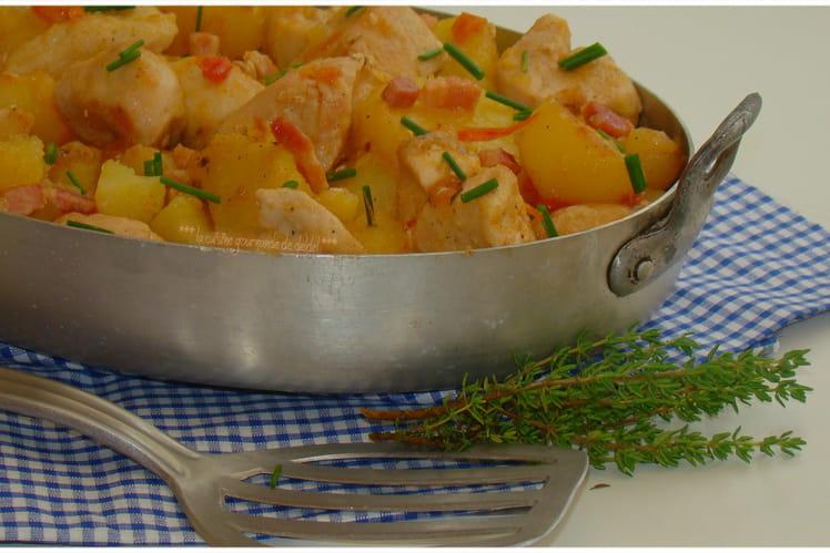 Poêlée campagnarde de pommes de terre, poulet et lardon