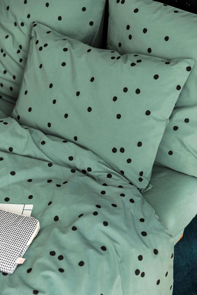 parure la cerise sur le g teau. Black Bedroom Furniture Sets. Home Design Ideas