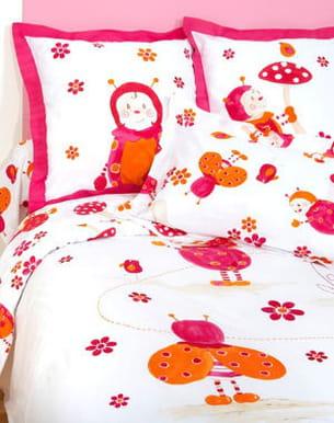 Jolie coccinnelle - Parure de lit carre blanc ...