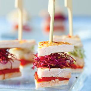 club sandwich de dinde aux pousses de radis