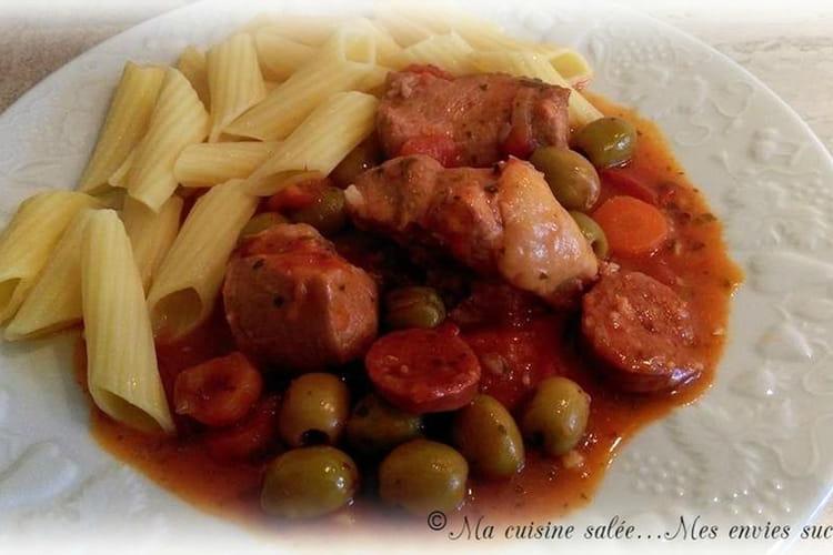 Sauté de porc au vin rouge, chorizo et olives